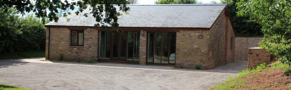 Trebandy-farm-field-barn-accommodation-rural-retreat-herefordshire-9